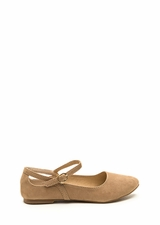 Chic Footnote Pointy Cut-Out Flats