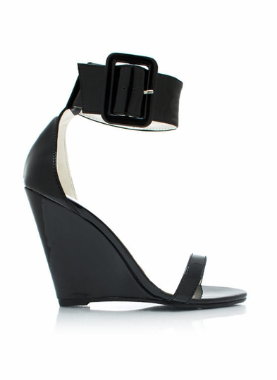 Oversized Buckled Wedges