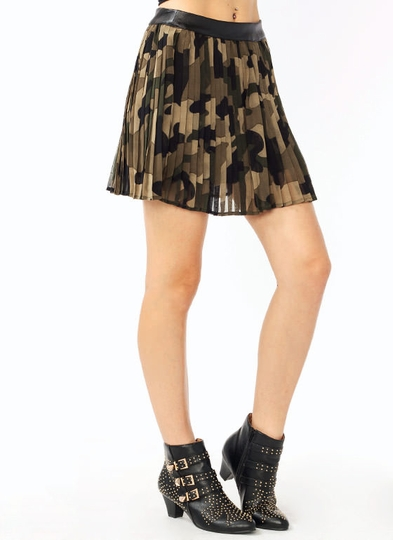 Pleated Camo Print Skirt