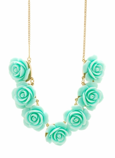 Rosette Necklace Set