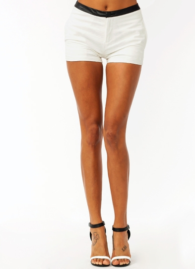 Triangle Textured Contrast Shorts