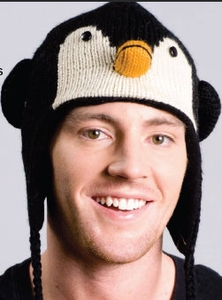 KNIT PENGUIN HAT
