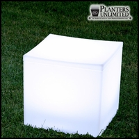 "15""L x 15""W x 14""H Bernini Illuminated Cube Seat"