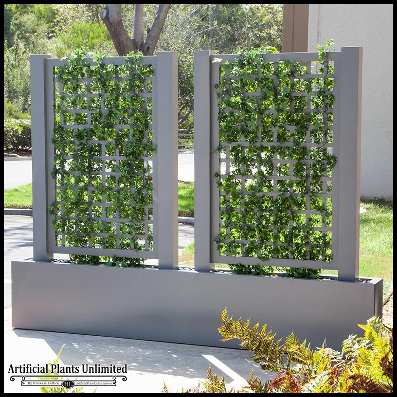 English Ivy Trellis Space Divider In Fiberglass Planter
