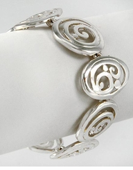 Silver Tone Alternating Oval and Circle Magnetic Closure Bracelet