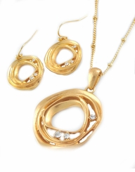 Women's Matte Gold Modern Circle Necklace and Earring Set