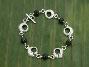 Pod Chaser Bracelet with Black Onyx