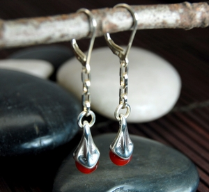 Vine Berry Earrings with Carnelian