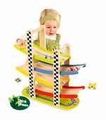 Hape / Educo <br />Wood Switchback Racetrack