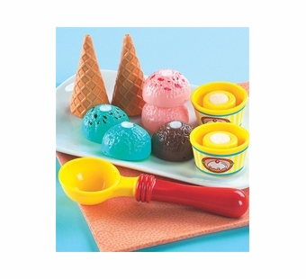 Small World Toys <br />Ice Cream Play Set