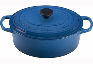 Le Creuset Signature 3.5 Quart Oval Dutch Oven - Click to enlarge