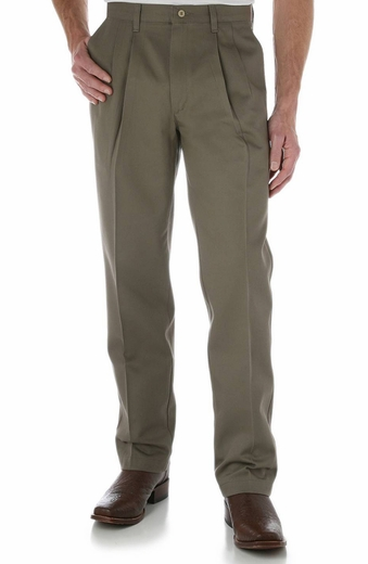 Wrangler Men's 00095 Riata Pleated Front Casual Pants - Sable (Closeout)