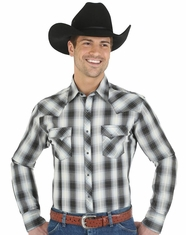 Wrangler Men's Plaid Snap Shirt - Black