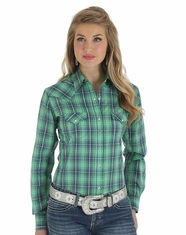 Wrangler Women's Performance Long Sleeve Plaid Snap Shirt - Green
