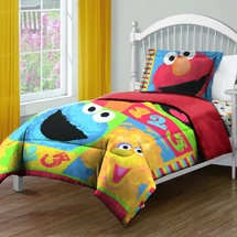 "Sesame Street ""Big Chalk Fun"" Twin Comforter"