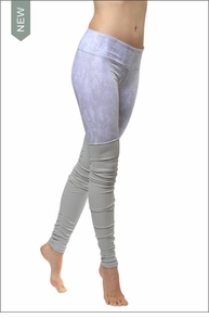 Goddess Ribbed Legging (Vapor Python Glossy / Vapor) by Alo Yoga