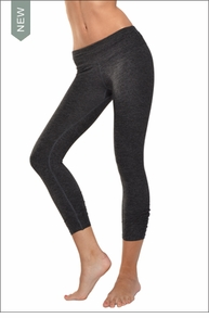 Hardtail Brushed Heather Ruched Capri (Brushed Dark Charcoal & Black)