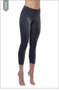 High Rise Capri Legging (Onyx) by Hardtail