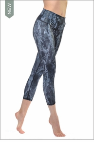 High Waist Airbrush Capri (Black Python Glossy) by Alo Yoga