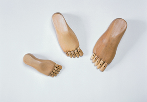 FOOT MANIKIN FEMALE