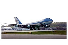 Air Force One Boeing 747 VC-25 Landing Photo Print for Sale