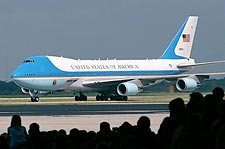 Air Force One VC-25 / Boeing 747 Photo Print for Sale