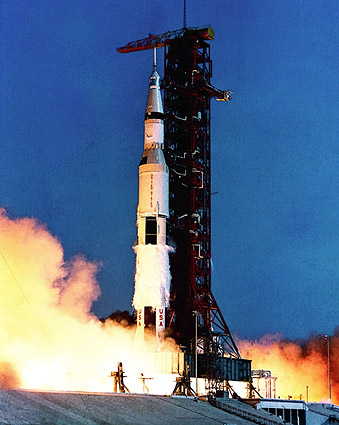 Apollo 11 Saturn V Roc...