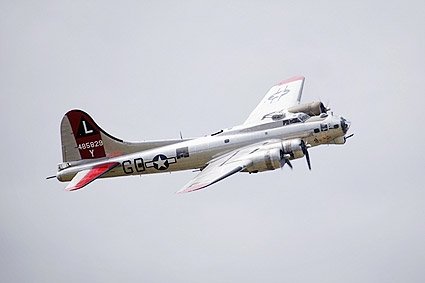 B-17 Flying Fortress Bomber 'Yankee Lady' Photo Print