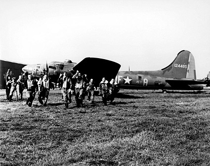 Boeing B-17 Memphis Belle Crew 25th Mission Photo Print