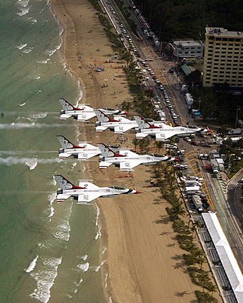 F-16 Thunderbirds Formation Ft. Lauderdale Photo Print