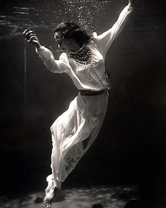 Fashion Model Underwater Toni Frissell 1939 Photo Print
