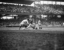 Lou Gehrig Steals 3rd Base Baseball Photo Print for Sale
