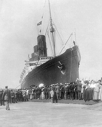 Lusitania Cruise Ship Arriving in New York Photo Print