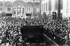 New York City Pennsylvania Station 1917 Photo Print for Sale