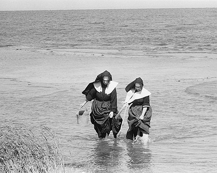 Nuns Clamming in Long Island Toni Frissell Photo Print
