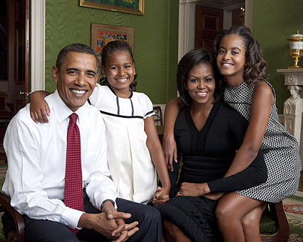 Obama Family Portrait at White House 2009 Photo Print