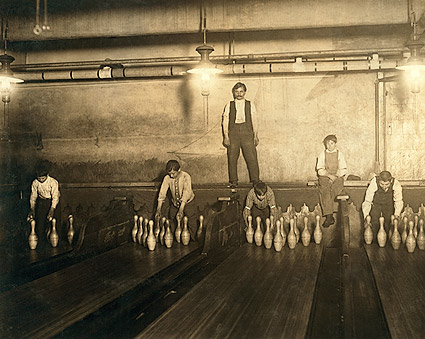 Pin Boys Brooklyn New York Lewis Hine 1910 Photo Print