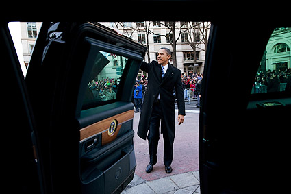 President Obama Waves at Inaugural Parade 2013 Photo Print