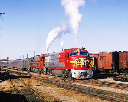 Santa Fe Railroad U-30CG/U-28CG Train Photo Print