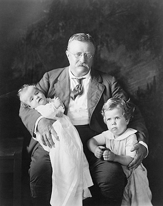 Theodore Roosevelt & Grand Children 1916 Photo Print