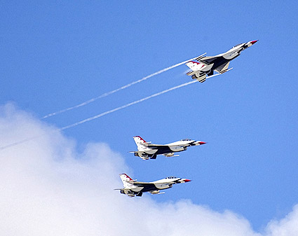 Thunderbirds F-16 Fighting Falcons Flight Photo Print