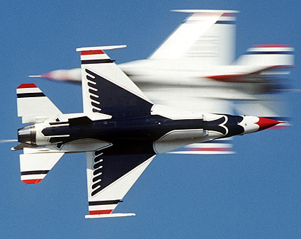 Thunderbirds F-16 Opposing Knife Edge Pass Photo Print