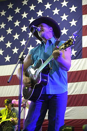 Trace Adkins Patriotic Aboard CVN-72 Photo Print