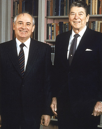 U.S. President Reagan and Soviet Leader Gorbachev Photo Print