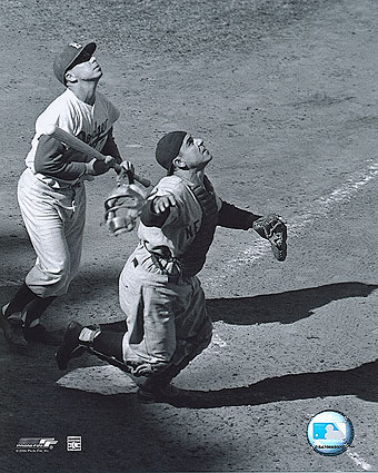 Yankees Baseball Player Yogi Berra Catching Photo Print