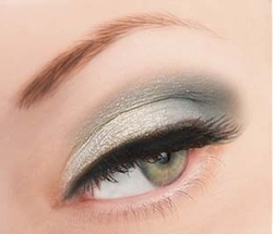Luxe Iridescent Loose Glitter for Eyeliner and Eye Makeup