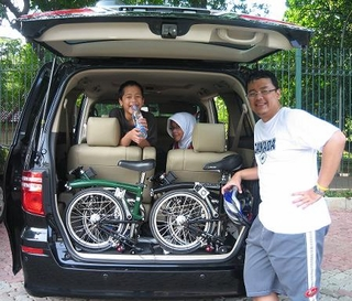 Muhamadian and his Brompton folding bikes
