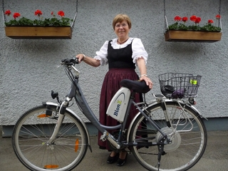 My Mom on her BionX PL350 in Oesterreich (Austria)