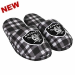 Oakland Raiders Men�s Flannel Slippers