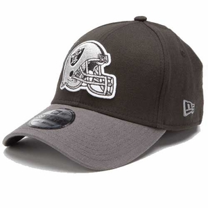 Oakland Raiders New Era 39Thirty Black Classic Cap - Click to enlarge